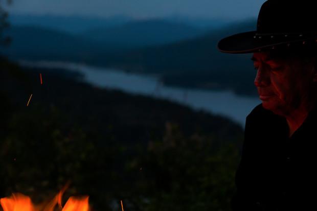 Campfire-Portrait